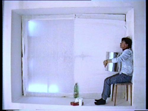 Elisabeth Daly-Paris, Ausschnitt aus dem Video DIE KÜBELREITERIN (nach einem Text von Franz Kafka)