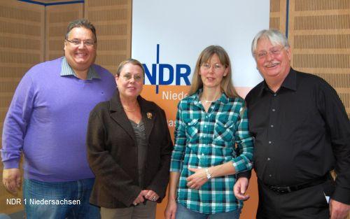 NDR 1 Moderator Michael Thürnau, Birgit Ehrlinspiel, Irmel Henrco und Mike Gerhardy (v.l.)