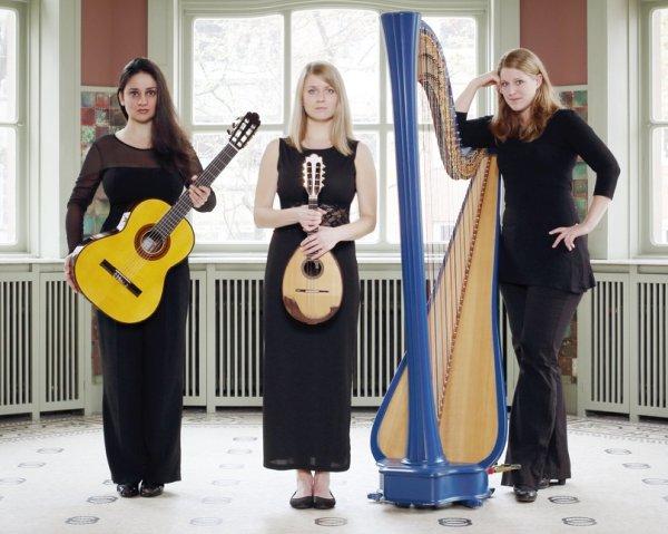 Sixty1strings: Negin Habibi, Ekaterina Solovey und Konstanze Kuß (v.l.)